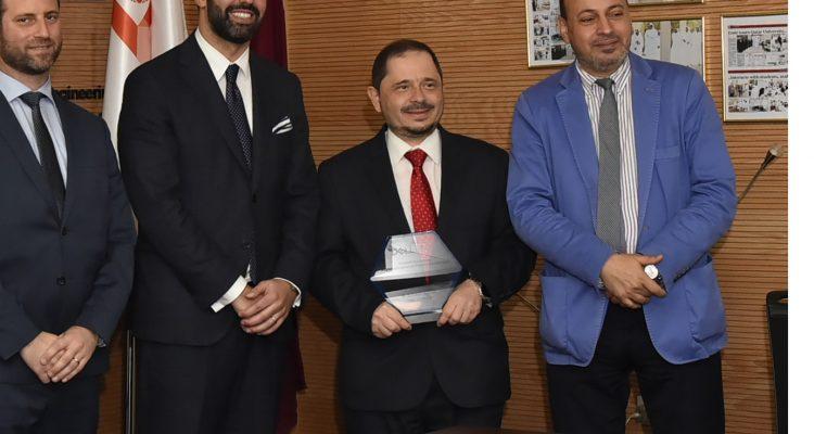 """هندسة جامعة قطر الأول في مسابقة """"دل إي إم سي"""" لمشاريع التخرج """"تصوُّرات المستقبل"""""""